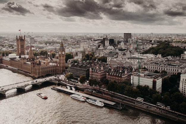 View of london with its famous builduings: big ben, palace of westmisnter, westmisnter bridge