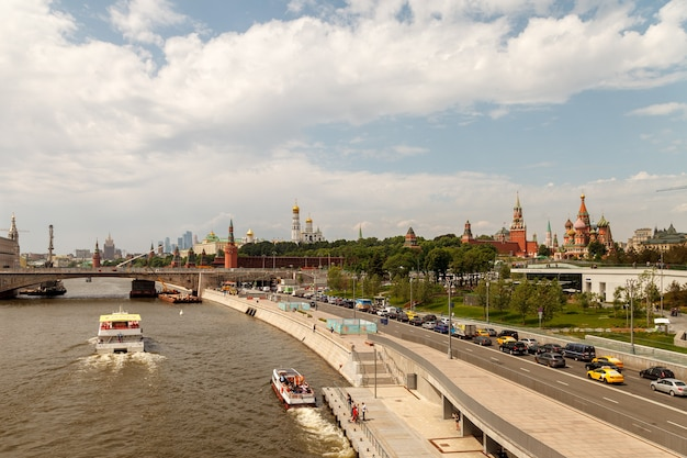 View of the moscow kremlin and the embankment of the moscow river. moscow, russia.