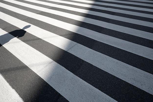 抽象的な屋外の昼間の影のビュー