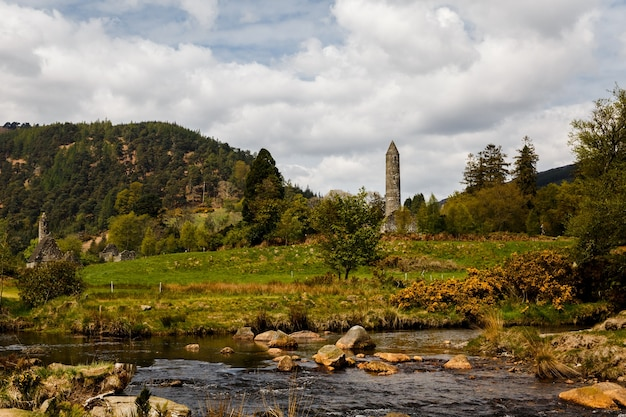 Glendalough에있는 고대 수도원의보기
