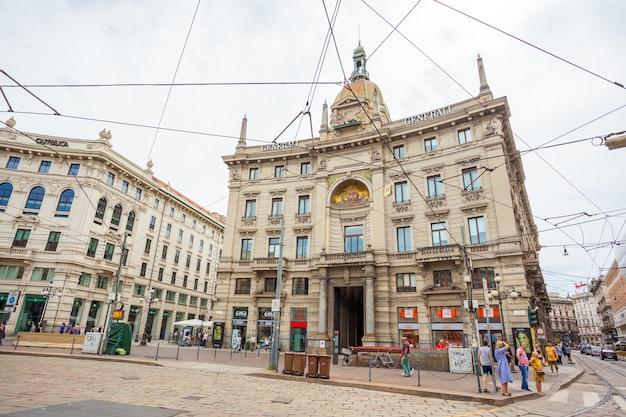 Вид на здание assicurazioni generali