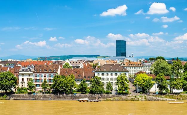 Вид на город базель с рейном, швейцария