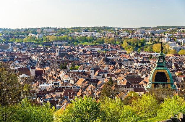 ブザンソン市の眺め-フランス、ドゥー