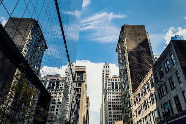 建物とシカゴの高層ビルの眺め
