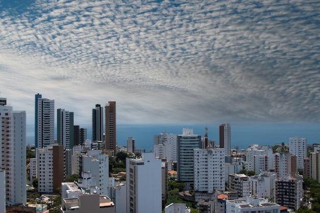 Вид на здания в городе сальвадор баия бразилия.