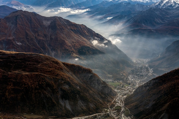 Monte bianco에서 cormayeur의 전망