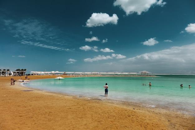 Вид на побережье мертвого моря