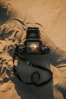 카메라 렌즈를 통해 미국 캘리포니아 데스 밸리의 보기