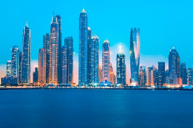 ドバイの日の出、アラブ首長国連邦でのビュー