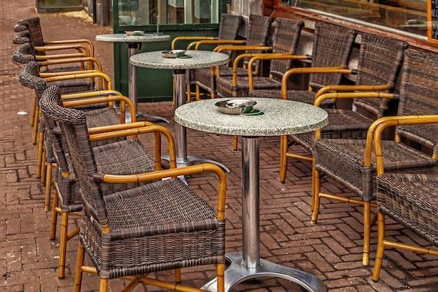 빈 야외 카페보기