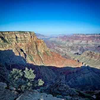 有名なグランドキャニオン、アリゾナ、米国のビュー