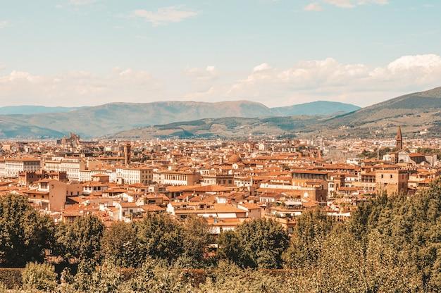 ボーボリ庭園からのフィレンツェの眺め。観光とレジャーの概念。