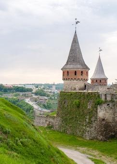 要塞と旧市街カミアネツィの眺め-podilskyi、ウクライナ