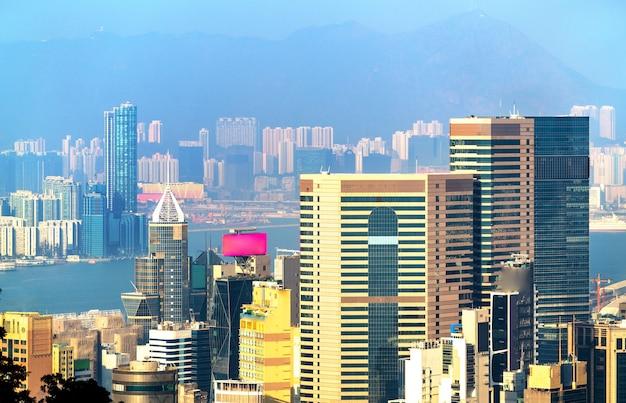ビクトリアピークからの香港島の眺め。中国