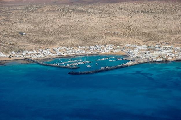 Вид на исла грасиоза у побережья лансароте