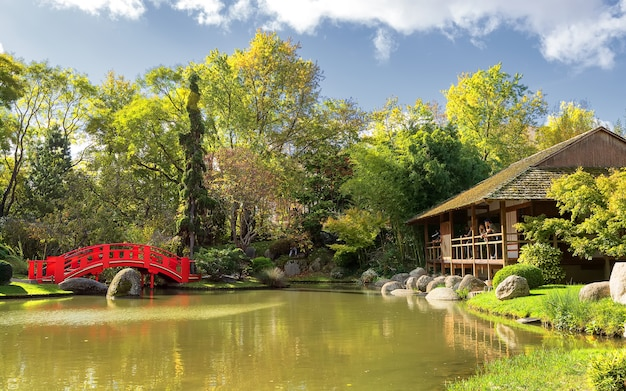 화창한 날에 일본 정원의 전망 compans caffarelli 지구 툴루즈 프랑스