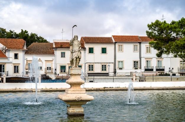エストレモスのラゴドガダーニャの眺め-ポルトガル、アレンテージョ