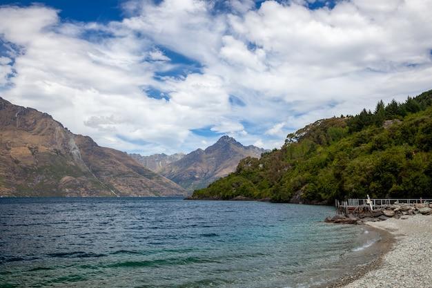 뉴질랜드의 와카티푸 호수의 전망