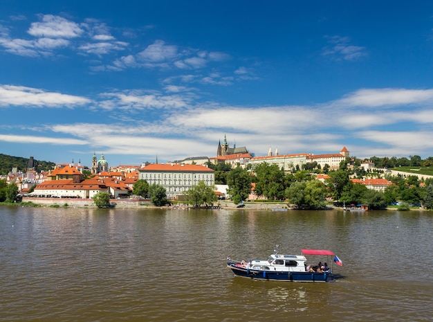 マラーストラナとプラハ城の眺め