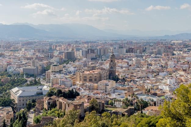 アルカサバとスペインのマラガの大聖堂とマラガのビュー