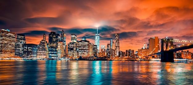 Вид на манхэттен на закате, нью-йорк.