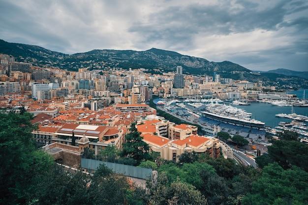 Вид на монако с гоночной трассы формулы 1