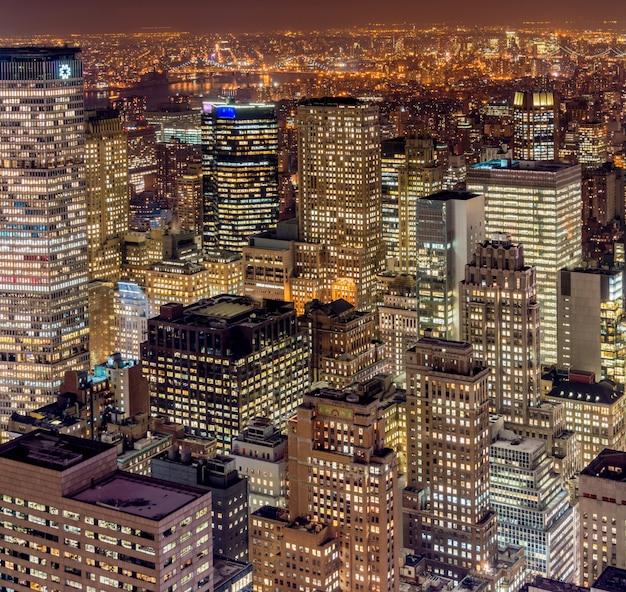 일몰 시간 동안 뉴욕 맨해튼의보기