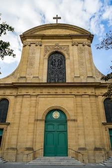 Вид церкви нотр-дам в мец лотарингия мозель франция