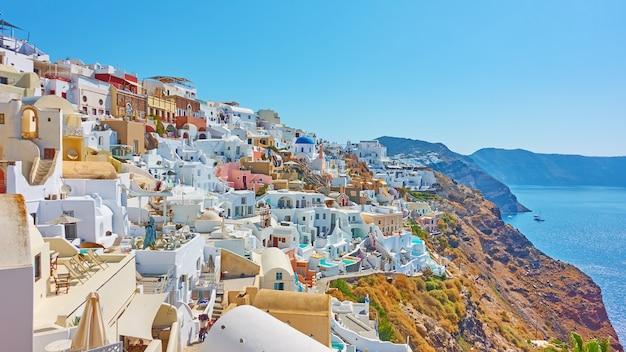 화창한 여름날, 그리스 산토리니 섬의 이아 마을 전망 - 그리스 풍경