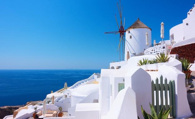 그리스 산토리니(santorini) 섬의 이아(oia) 마을 전망