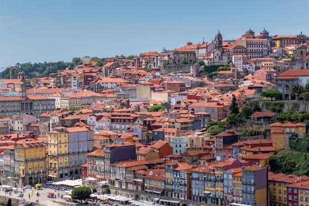 Вид старого города порту в португалии