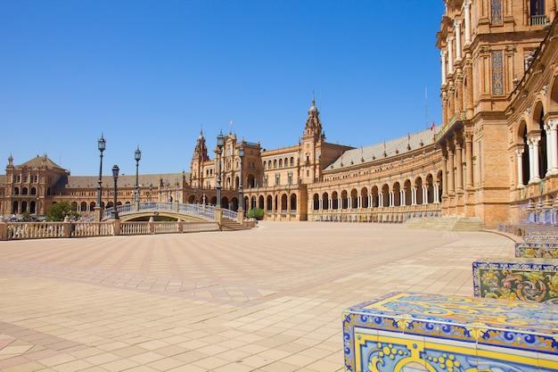 Вид на plaza de espana, в севилье, испания