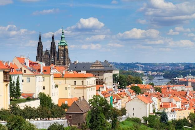 Вид на прагу из района градчаны, чешская республика