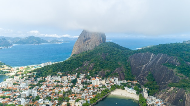 ブラジル、リオデジャネイロ、シュガーローフ、コルコバード、グアナバラ湾の眺め