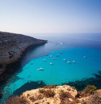 Вид на знаменитое морское место табаккара лампедузы