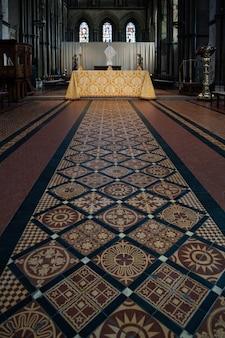 ロチェスターの大聖堂の祭壇の眺め