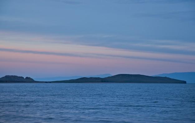 섬 oltrek, maloe more 해협, 바이칼 호수의 전망