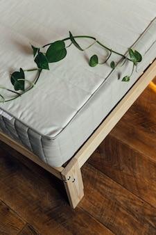 新しいマットレスの睡眠の概念のビュー