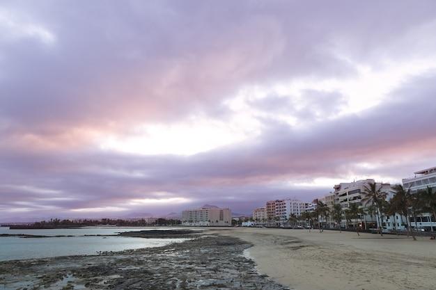 Вид на пляж редукто в арресифе
