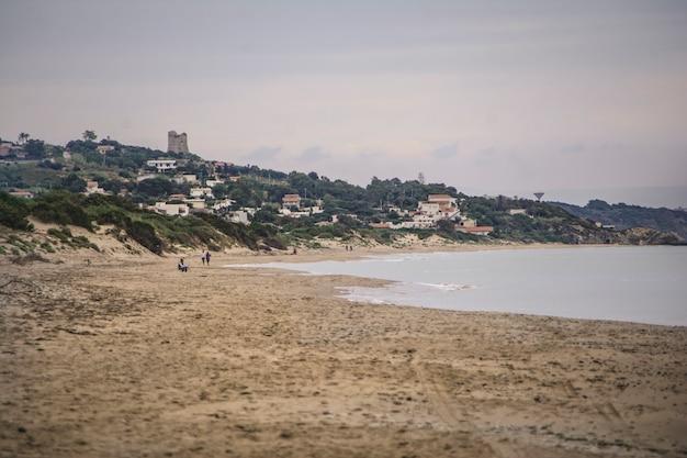 マリーナディブテーラのシチリア海岸の眺め