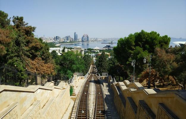 Вид на нагорный парк в городе баку