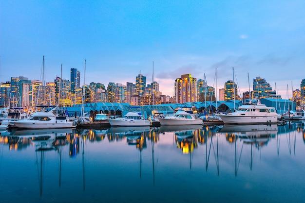 일몰 캐나다에서 항구와 밴쿠버 bc의 보기