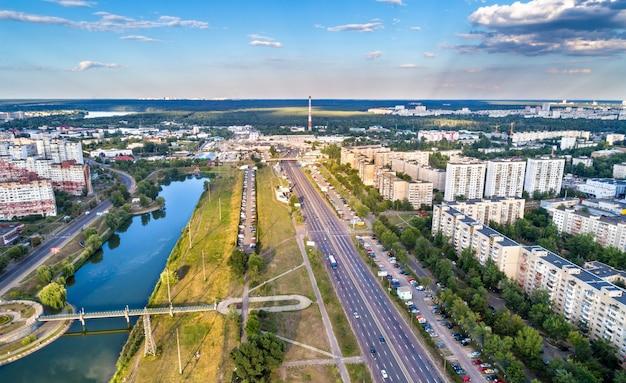 Вид на проспект ватутина в киеве, столице украины