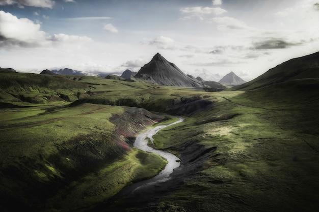 アイスランド、アイスランド高地の火山地域の眺め