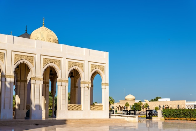 Вид на мечеть забил в дубае, оаэ