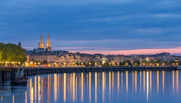 夕方のボルドーの眺め-フランス