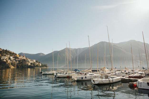 Вид на озеро лугано, монте бре и монте болья