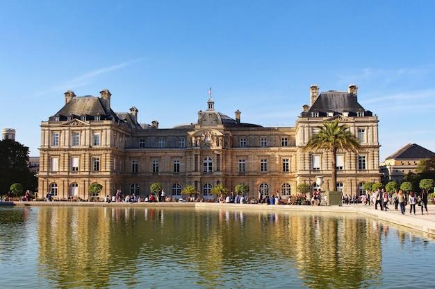 Вид на люксембургский дворец