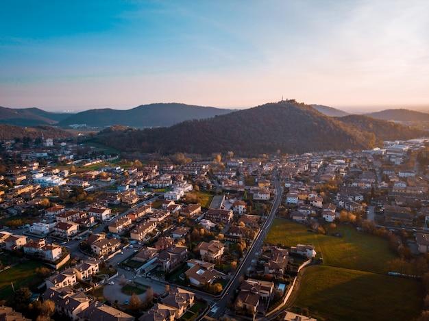 ドローンからのmonticellibrusatiの眺め
