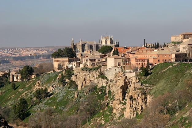 スペインのトレド市の右側を見る